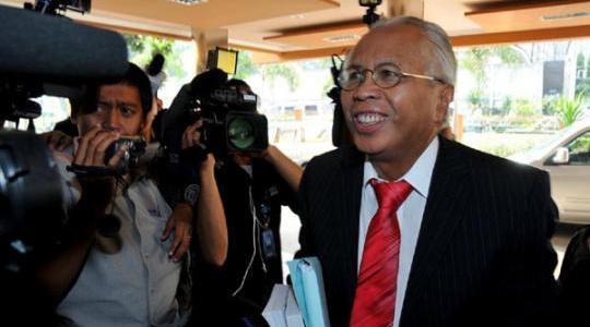 OC Kaligis, Pengacara Anggodo Widjojo dan Arthalyta Suryani Mau Jadi Ketua KPK, apa kata dunia?